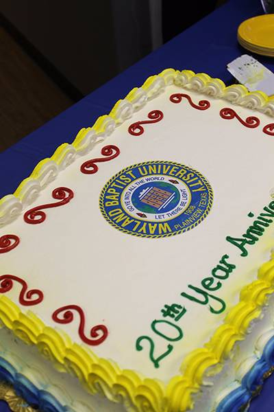 Picture of a cake celebrating Sierra Vista Campus' 20 anniversary.